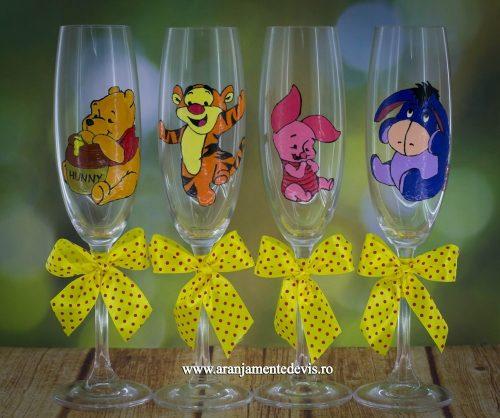 Pahare pictate manual Winnie si prietenii