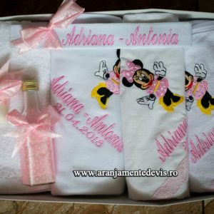 Trusou-botez-Minnie-Mouse-roz