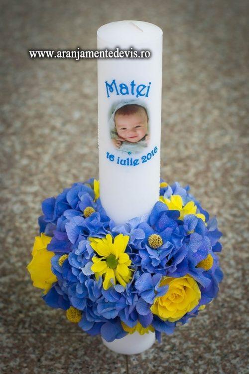 lumanare de botez cu flori albastre
