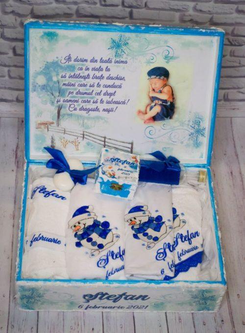 Cutie-trusou-botez-tema-iarna