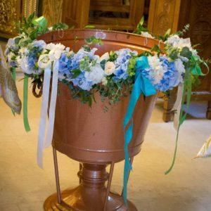 aranjament-cristelnita-flori-turcoaz