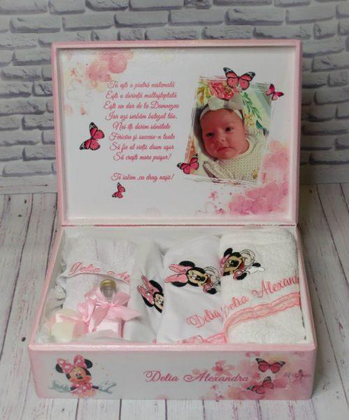 Cutie-lemn-Minnie-trusou-botez
