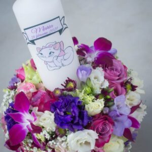 Lumanare-botez-cu-orhidee-trandafiri-flori-albe-mode-pentrufetite-model-deosebit-model-elegant