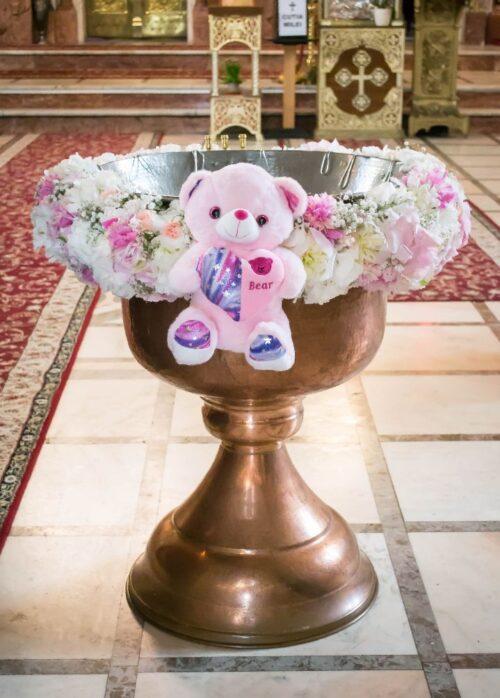 decor-cristelnita-botez-fetita-flori-naturale