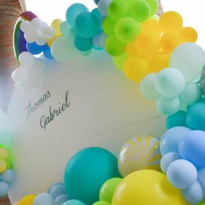 baloane-curcubeu-petrecere-baietel