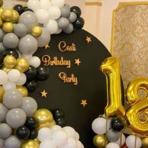 panou-baloane-majorat-auriu-negru-baiat