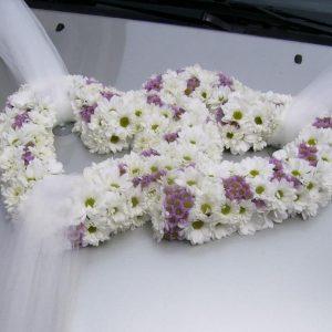 aranjament-floral-masina